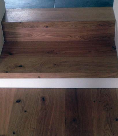 Treppenstufe aus Parkett gefertigt